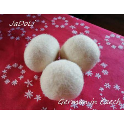 Set of wool balls for the...
